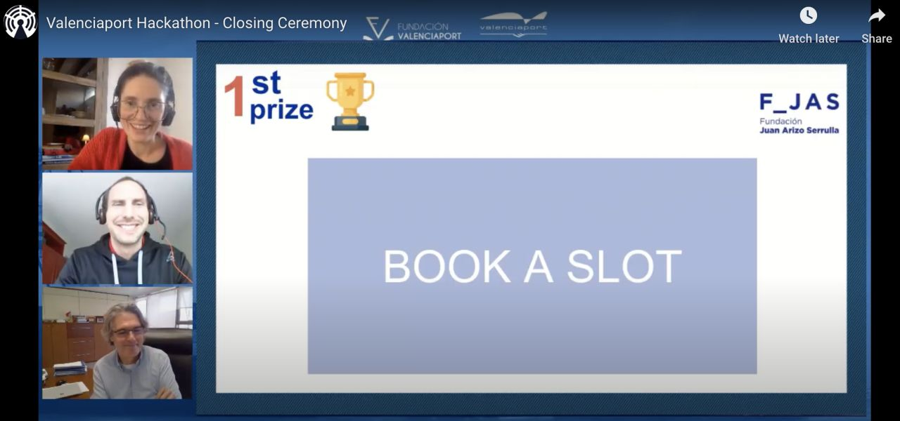 1st prize of the ValenciaPort hackathon with Smart slot booking for trucks